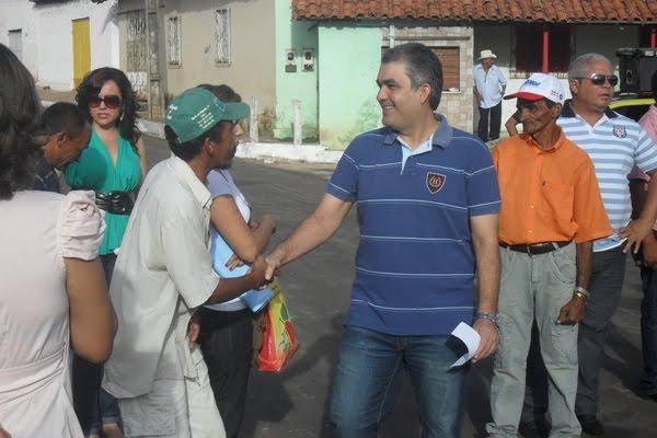 PRESENTE DE NATAL: COELHO NETO TRAFEGÁVEL