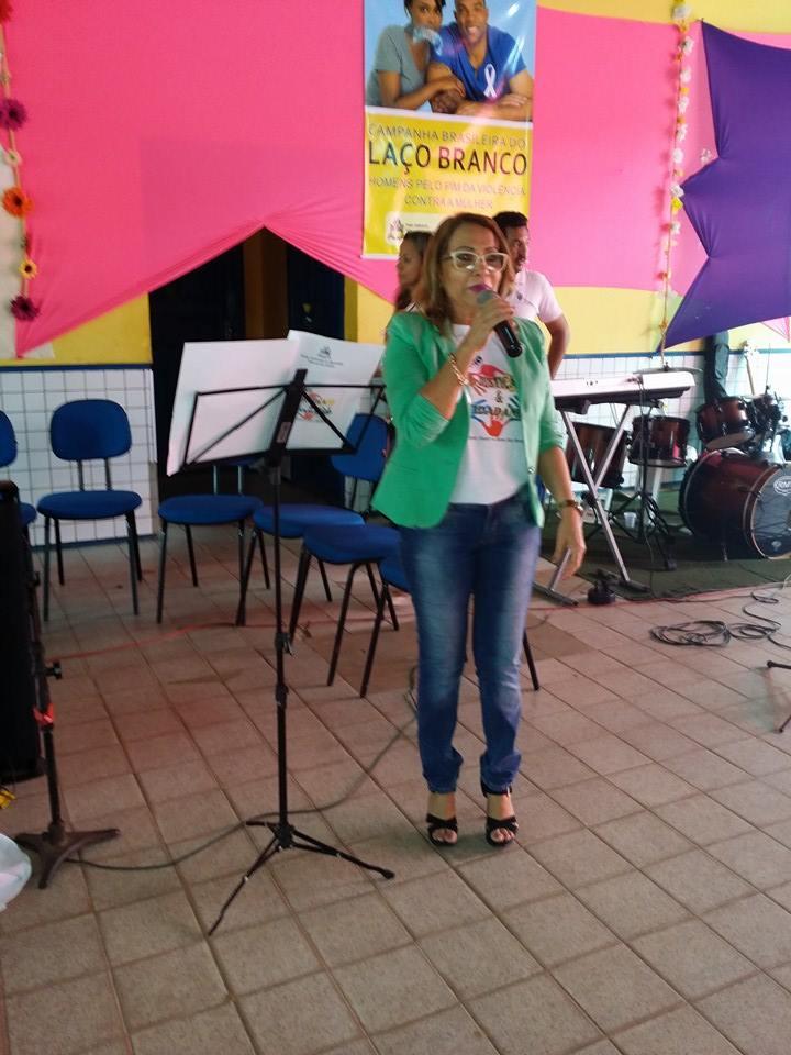 Secretária de Educação Rosário Leal