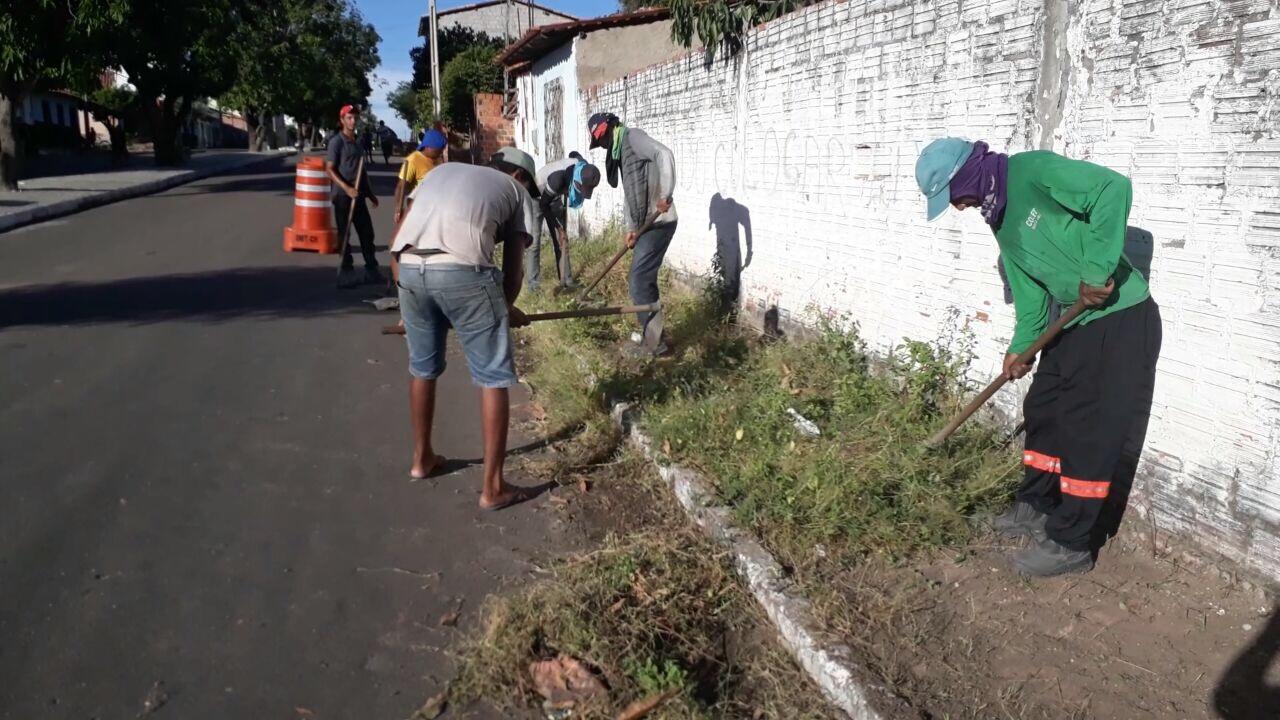 Resultado de imagem para limpeza publica chapadinha